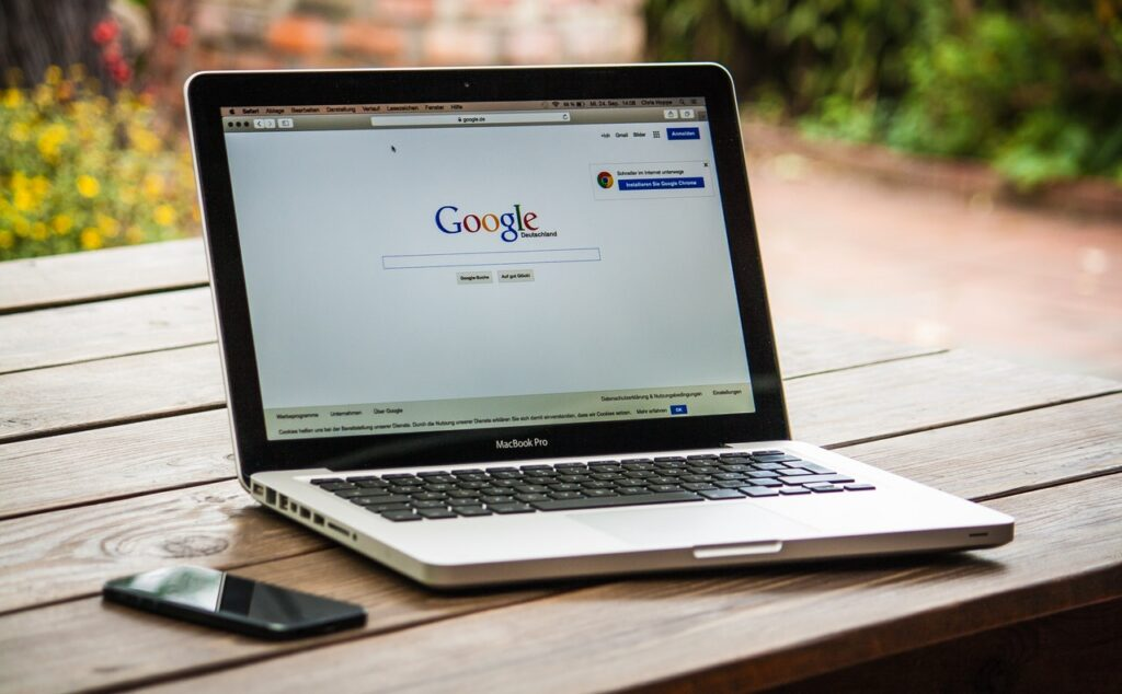 Im Internet nach Dienstleistern suchen
